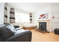 W3: Spacious Four Bedroom Detached House with Private Garden in North Acton