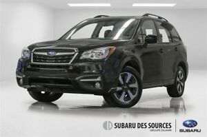 2018 Subaru Forester 2.5i Touring  Toit, Bluetooth,  Camera!