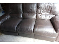 BROWN LEATHER 3 SEATER AND 2 SEATER RECLINING SOFAS ULTIMATE COMFORT VIEWING WELCOME