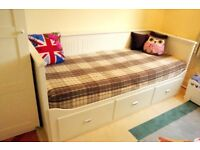 Day bed w 3 drawers; 80x200cm; good condition - £80
