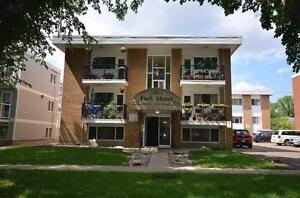 Excellent Location! Beautiful 1 Bedroom Condo in Oliver Square A
