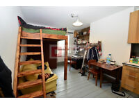 **Hackney Studio ONLY £1000 p/m INCLUDING bills - Call 07957316174 to VIEW**
