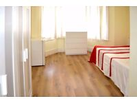 Ensuite double room close to Manor House and Turnpike Ln Tubes - All bills and internet inclusive!!