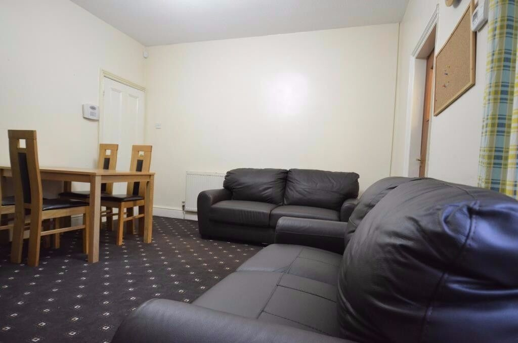 Spacious 5 Double Bedroom Student House, Raddlebarn Road, Selly Oak, B29