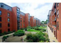 Stunning 2 bed flat, amazing decor, wonderful development, perfect location: 07874 257 166