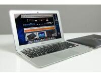 13.3' MacBook Air Core i5 1.8GHz 4GB Ram 128Gb SSD Adobe Photoshop Lightroom Microsoft Office 2016