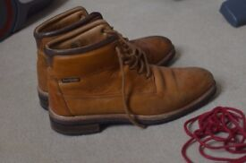 Russell and Bromley Highlander Men's boots Tan size 9