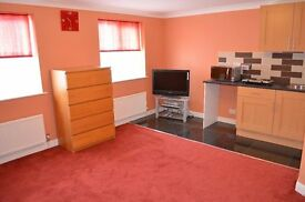 Pickards Close N14 - Selection Of 2 Large Studios Inclu. Of Bills Just 2 Mins From Tube