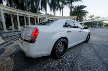 CHRYSLER 300 C LUXURY 2013 PEARL 8 SPEED PETROL LOW KMS REGO+RWC Bundall Gold Coast City Preview