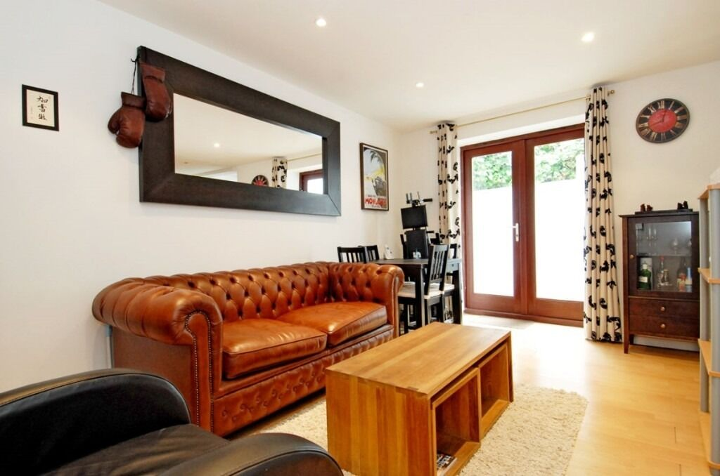 A bright and airy one bedroom apartment to rent, Lillie Road, SW6
