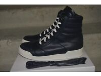 BALMAIN perforated leather high –top sneakers, size EU 40 = UK 7. Mint condition. As good as new!