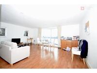 Canary Wharf E14 -- Fantastic 2 Bed + 2 Bath + Balcony Apartment -- £440p/w -- Available 11th June!