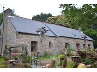 Sweet holiday cottage on organic farm in Brittany, one bed, comfy lounge with log burner,