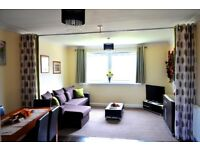SHORT TERM LETS GLASGOW - CORPORATE, CONTRACTORS & HOLIDAY-3 BEDROOM APARTMENT FREE WIFI AND PARKING