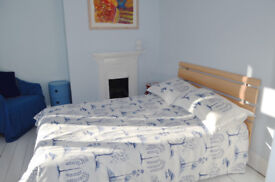sunny double room with ensuite in 5ways area brighton