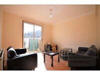 3/4 bedroom detached house to rent in Kempton Road, East Ham, E6