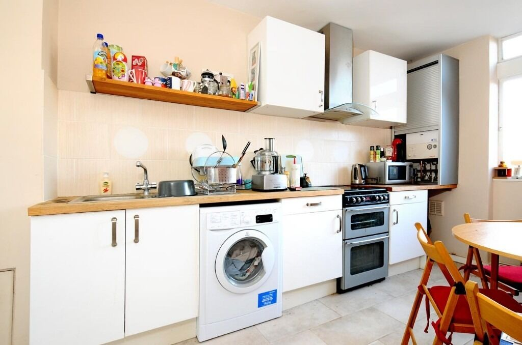 A Lovely Two Double Bedroom Flat In Manville Gardens - £1550pcm