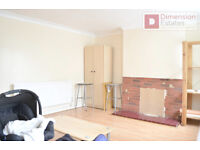 Spacious 3 Bed Maisonette Flat + Balcony - Stratford E15 1HG - £369.23pw - Available from 30/11/2016