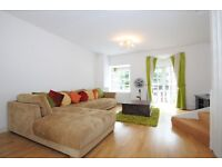 Rope Street - A spacious four double bedroom house to rent with private balcony and parking