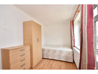DOUBLE ROOMS AVAILABLE FOR RENT IN PLASTOW NEAR STATION**NO DEPOSIT REQUIRED