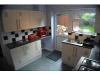 Three bedroom Semi-Furnished house Available in SELLY OAK!!
