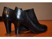 Gabor ankle boots Size 5UK