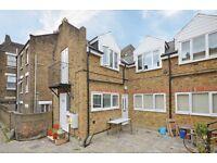 2 bedroom flat in Ryder Mews, Hackney, E9