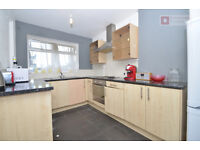 Brilliant 4 Bed Flat With Private Garden in Hackney, E9 - £ 462 P/W - Availble 1st of October