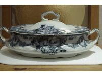 Alfred Meakin blue and white Derwent oval covered serving dish