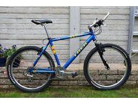 TREK 7000 Mans Mountain Bike