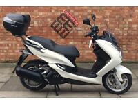 YAMAHA MAJESTY S 125CC SPOTLESS, NEAT AND CLEAN,ONLY 311 MILES.