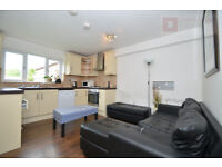 Spacious 5 Bed + 3 Bath + Driveway + Garden House near Startford E15 - Available from 1st of Sep