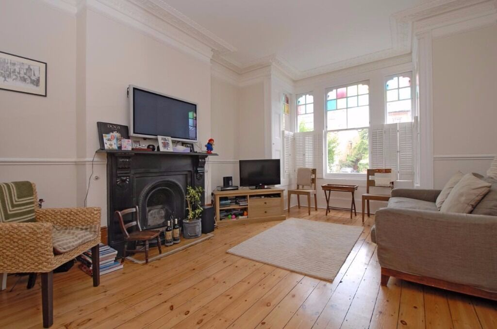 *** Period four bedroom family house to rent, Weston Park, Crouch End, N8 ***