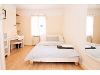 Just minutes from Waterloo and Lambeth North tube stations! Great 2 bed flat!