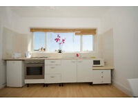 017O-FULHAM- MODERN ONE BEDROOM FLAT, SEPARATE KITCHEN, FULLY FURNISHED, BILLS INCLUDED - £300 WEEK