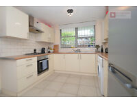Gorgeous 4 Bed 2 Bath + Front Garden Maisonette Flat in Highbury & Islington N1