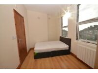 Cheap studio flat in the heart of Thornton Heath £700 PCM. Bills included DSS Welcome.