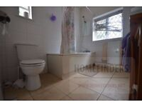 3 bedroom semi detached house in Eastern Avenue, Ilford, IG2