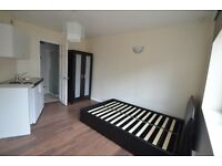 ALL BILLS INCLUDEDLARGE STUDIO FLAT 2 MINUTES TO BRUCE GROVE STATION TOTTENHAM FOR 1 PERSON