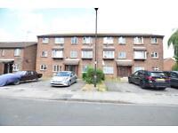 1 bedroom flat in Nimrod Close, Northolt, UB5