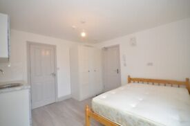Double room available in Thornton Heath Bills included DSS/UNIVERSAL CREDIT WELCOME