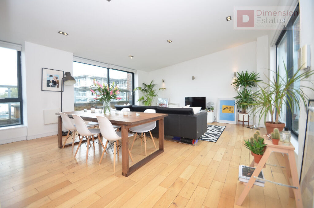Stunning 2 bed 2 bath Pent House with Two terrace for £3,000p/cm EARLY VIEWINGS ARE RECOMMENDED!!