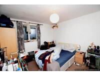 3 bedroom flat in London, England