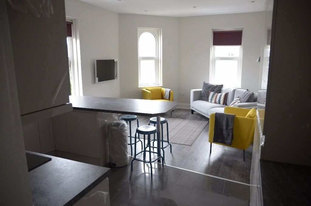 NOW LET 6 Double Bed Student House Davenport Ave Withington Village 6 x £455pcm TV's in Bedrooms