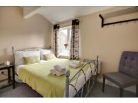 Short Stay Accommodation - 3 Bedrooms - Cirencester