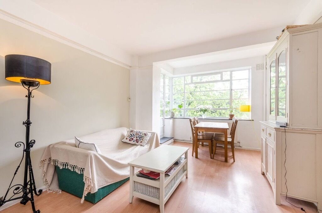 Beautiful one bedroom flat to rent in Isleworth ** MOMENTS FROM THE MAINLINE STATION AND THE SHOPS