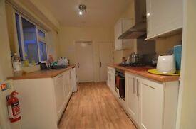 Fantastic 4 Double Bedroom Student House, 2 Bathrooms, Warwards Lane, Selly Oak 2016-2017