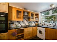 3/4 Bedrooms Ground Floor Flat with Kitchen, Dining, 1 Bathroom & Toilet & Back Garden In Westferry