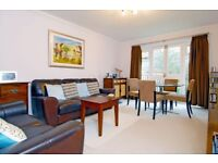 A well presented 2 bed, 2 bath flat with parking. Dukes Court, South Park Road, Wimbledon SW19