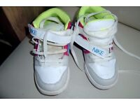 nike trainers size3 girls